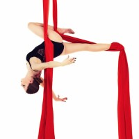 Telas para acrobacia, yoga aéreo, accesorios